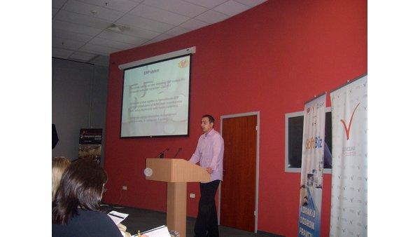 Kao pozitivan primer iz prakse, na konferenciji SoftBiz, predstavljen naš IIS-ERP sistem